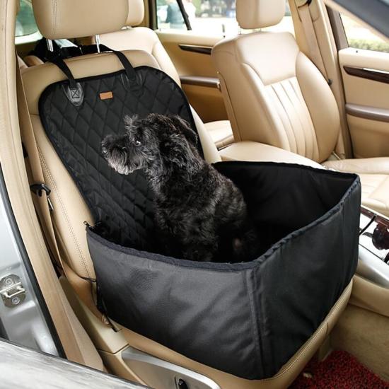 Autós kutyaülés (víz- és portaszító anyagból) Fekete